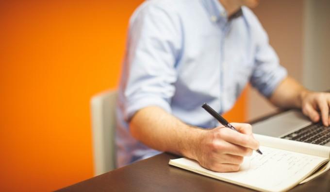 Jak przygotować strategię działań w internecie? Poradnik dla organizacji non-profit