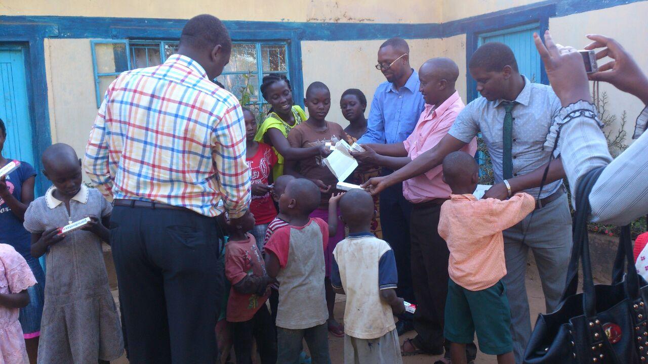 dzieci w Kenii