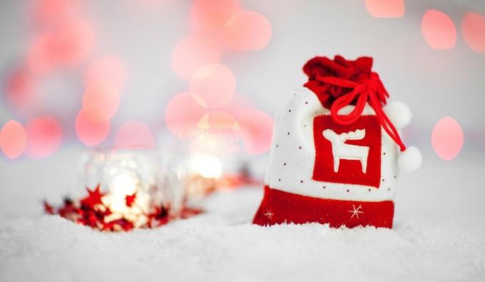 Skradnij kobiece serce w te Święta! 7 romantycznych prezentów dla Niej