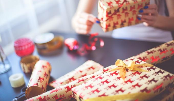 8 sposobów na zaoszczędzenie na prezentach